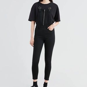 New Levi's zip up black overalls
